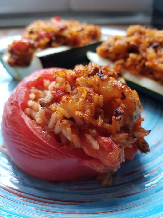 Faszerowane pomidory i cukinia