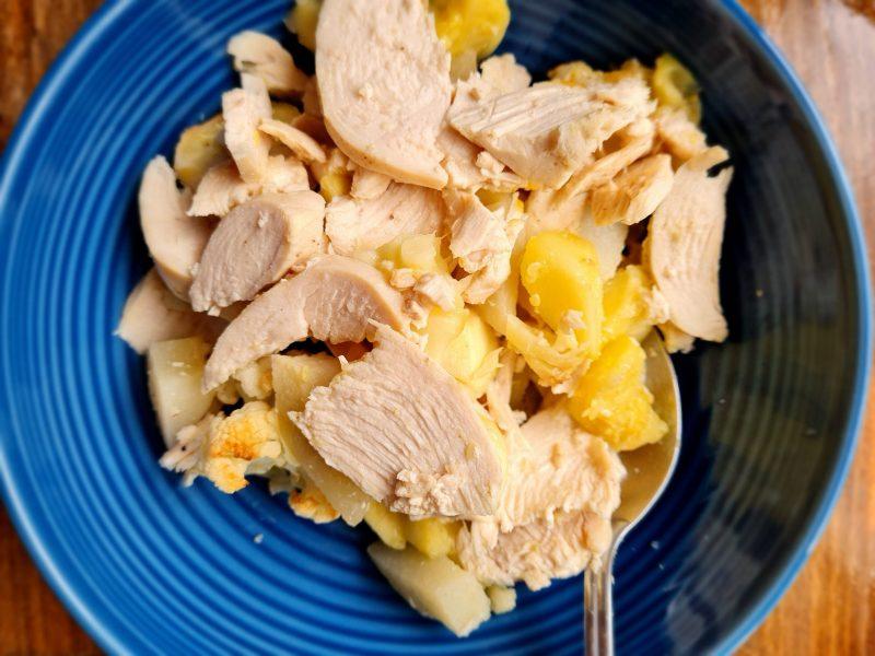 Zapiekanka z kurczaka i białych warzyw - biała dieta przepisy