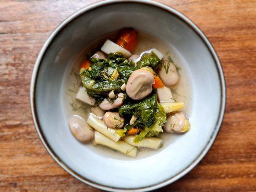 Letnia zielona zupa warzywna